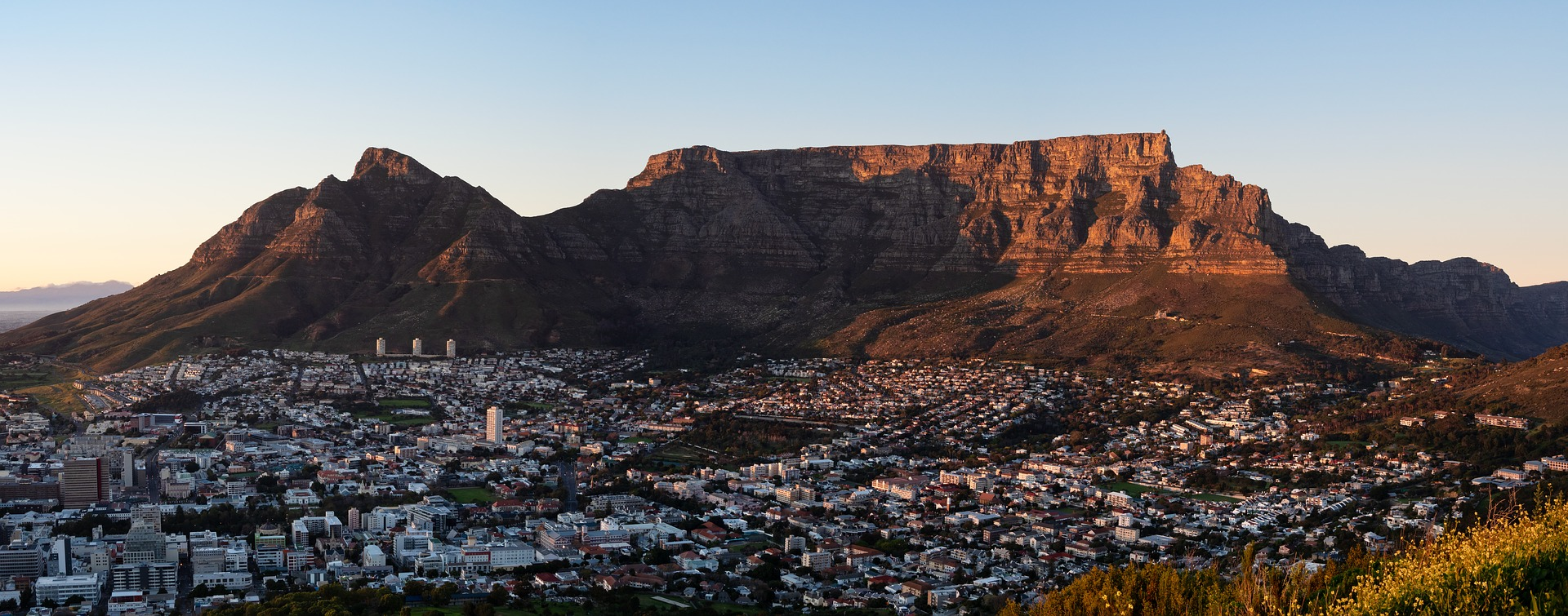 Table Mountain, Cape Town, South Africa Image by Jean van der Meulen from Pixabay